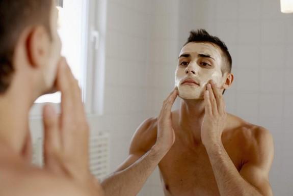 Phân biệt các loại mụn và cách điều trị mụn cho nam giới (Phần 1)